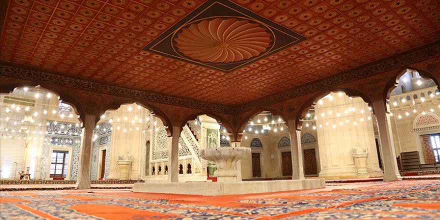 Ramazanda Selimiye Camisi'ne ziyaretçi akını