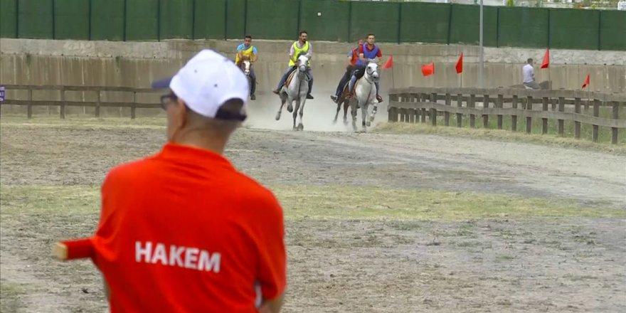 Deprem enkazı ata sporuna hizmet ediyor