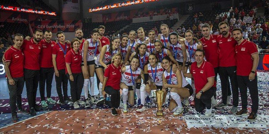 Türkiye voleybolda Avrupa ikincisi