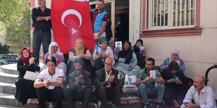 Diyarbakır annelerinin oturma eylemine destek ziyaretleri sürüyor