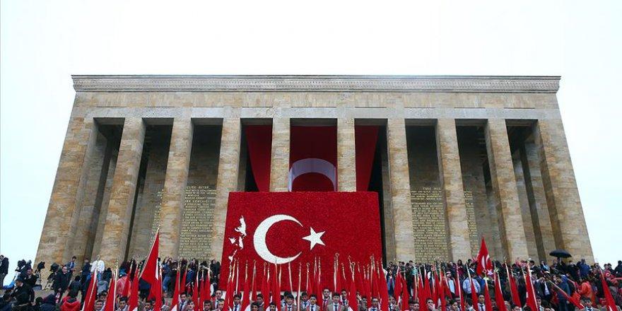 Cumhuriyet Bayramı tüm yurtta coşkuyla kutlanıyor