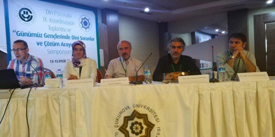 """Prof. Dr. Hayati Hökelekli: """"Gençlerin Din ve İnan Sorunları"""""""