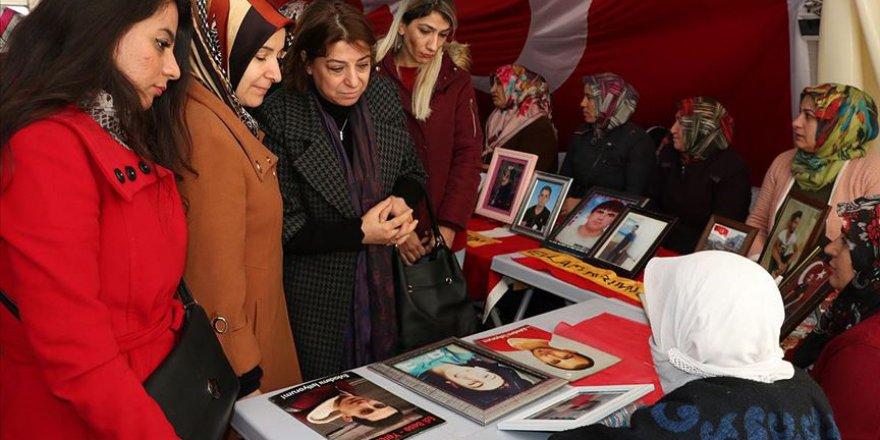 'Diyarbakır anneleri'ne destek ziyaretleri sürüyor
