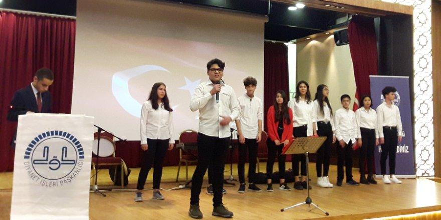 Gençlik Buluşmasında Mehmet Akif İnan Lisesi Öğrencileri İstiklal Marşını Okudu