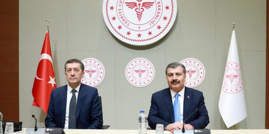Milli Eğitim Bakanı Selçuk: Evde eğitim süreci 30 Nisan'a kadar devam edecek