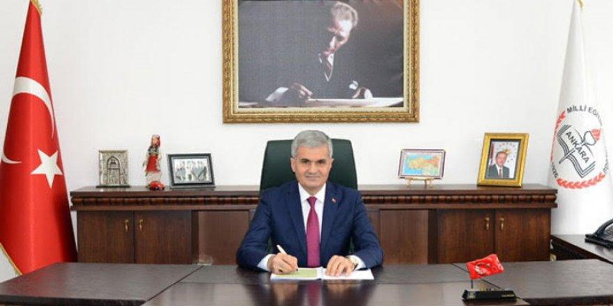 """Ankara İl Milli Eğitim MüdürüTuran AKPINAR, """" Evde Kal- Öğretmenin Yanında"""" Projesini açıklıyor."""