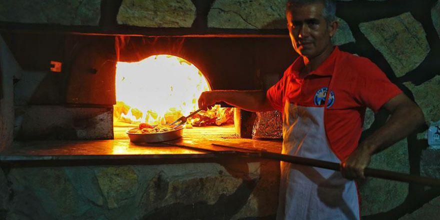 Yörüklerin asırlık lezzeti: Gömbe tepsi kebabı