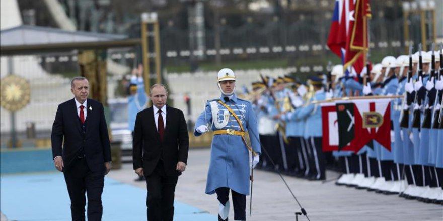 Cumhurbaşkanı Erdoğan, Putin'i resmi törenle karşıladı