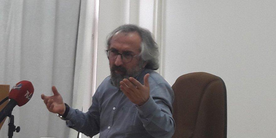 Prof. Dr. Asım Yapıcı ile Deliliğe Hicret Üzerine Söyleşi..