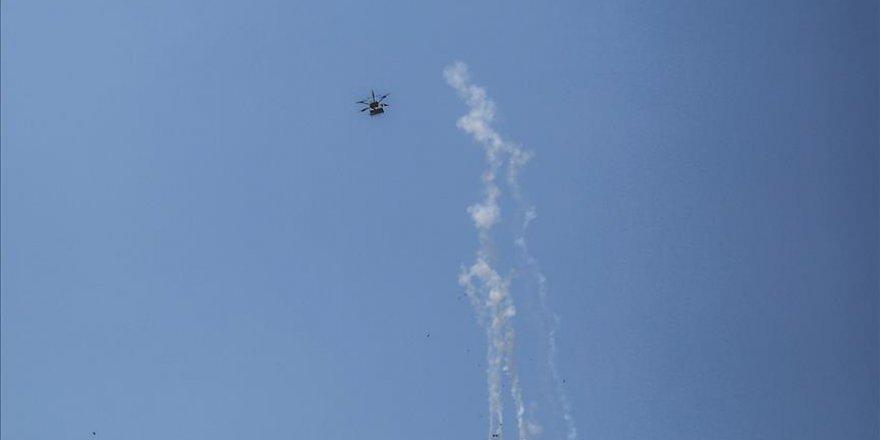 İsrail, İHA'larla gaz bombası yağdırıyor